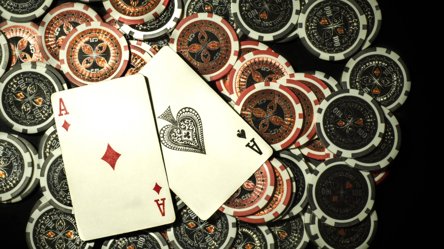 Royal flush: an in-depth look at poker cheating devices accessories